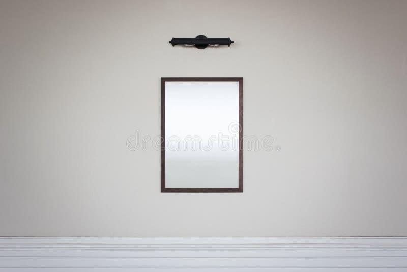 Ein einzelner leerer Rahmen stockfotos