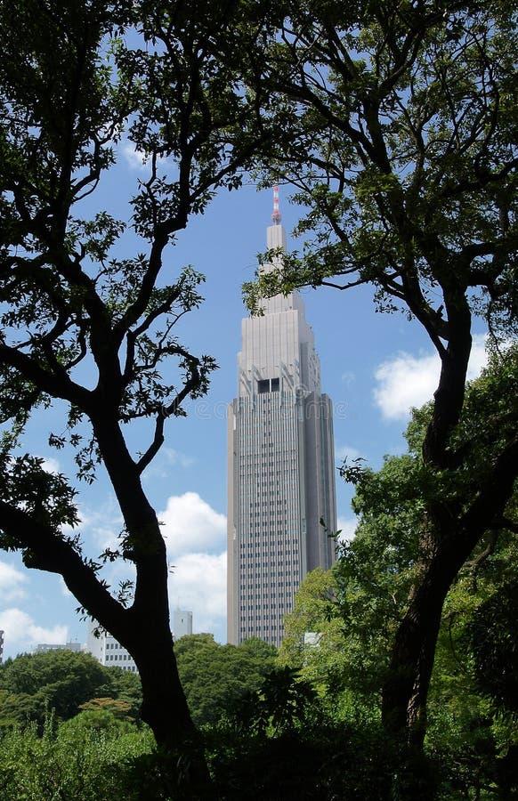 Ein einzelnes hohes Gebäude stockfotografie