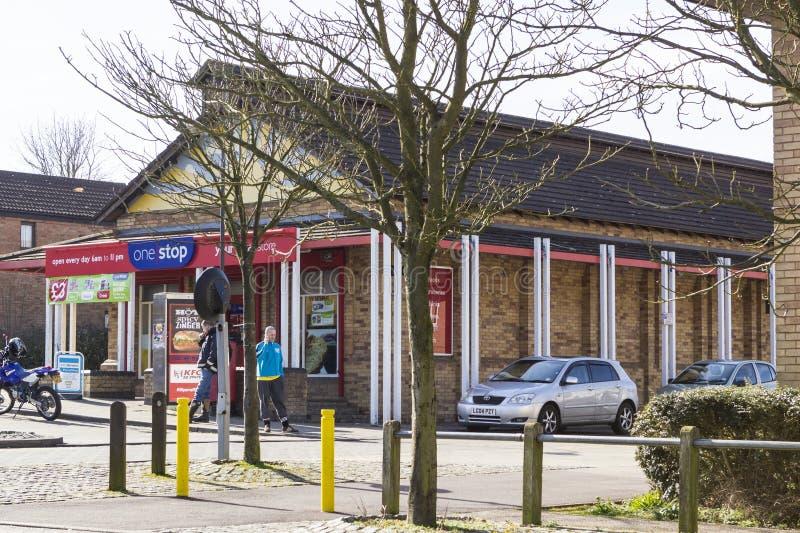 Ein Endshop bei zwei Meilen-Aschbereich in Milton Keynes, England lizenzfreie stockfotografie