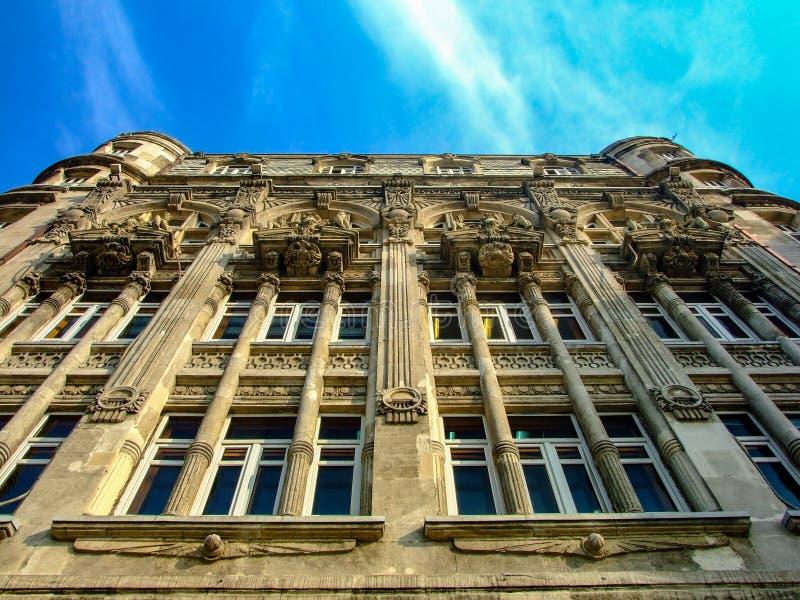 Ein erstaunliches wiev von gotischen Artgebäudedetails Istanbul, die Türkei stockbilder