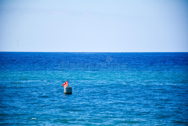 Ein Floss auf dem Meer stockbilder