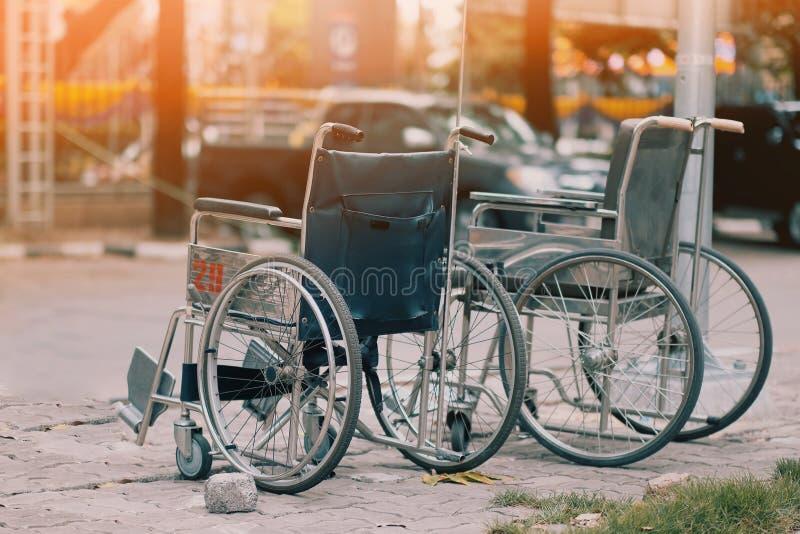 Ein geduldiger Rollstuhl im Krankenhaus stockfoto