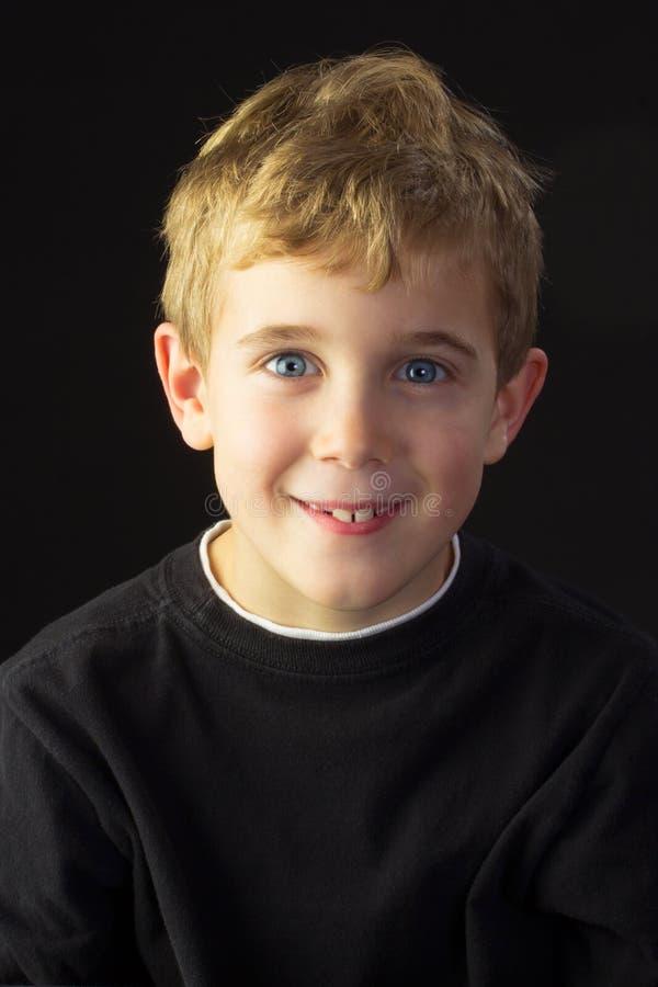 Ein glückliches, voll vom Leben, Junge stockfotografie