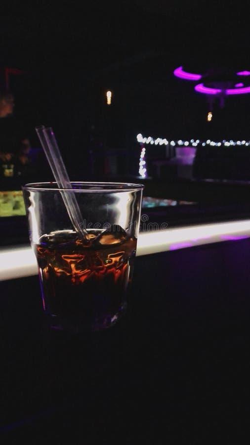 Ein Glas Rum stockbilder