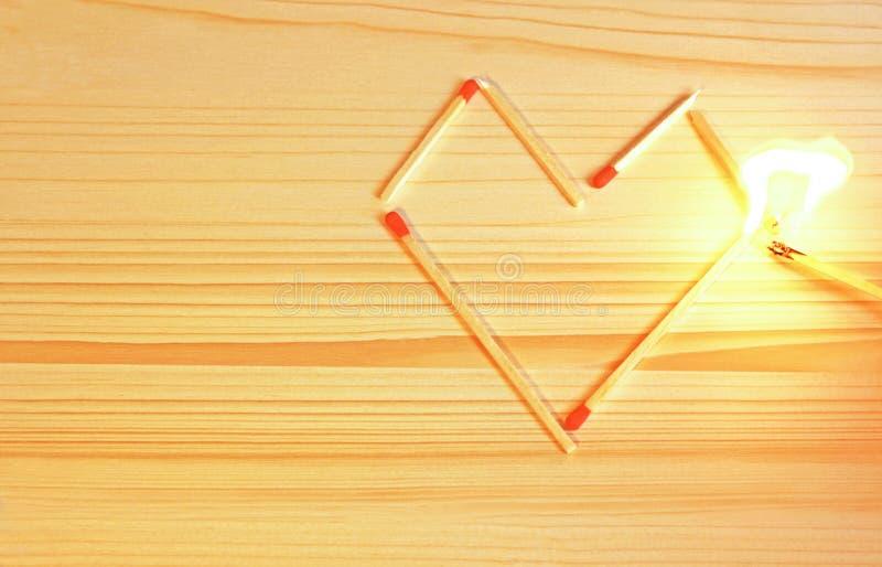Ein Herz fängt Feuer stockfoto