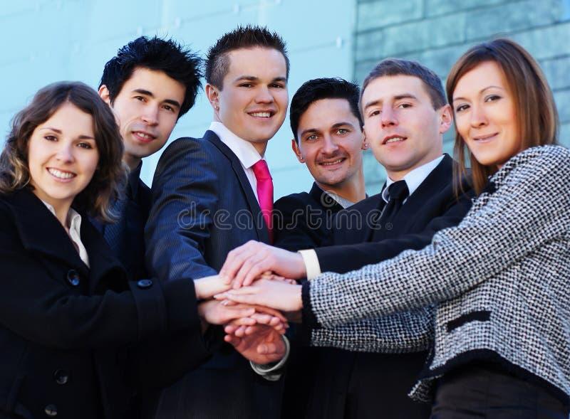 Ein junges Geschäftsteam der erfolgreichen Personen stockbild