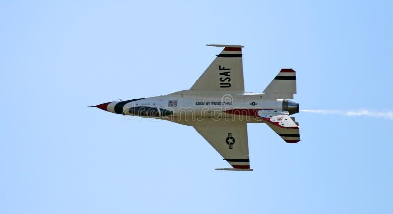 Ein Kämpfer an einer Flugschau lizenzfreies stockbild