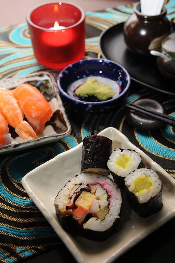 Japanische Nahrungsmittelsushi stockbild