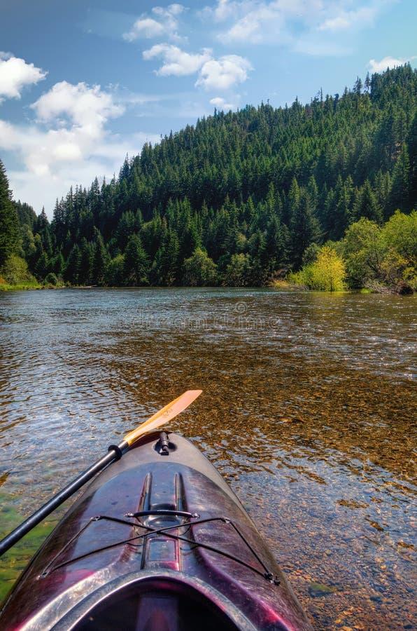 Ein Kajak auf Yakima River stockfoto