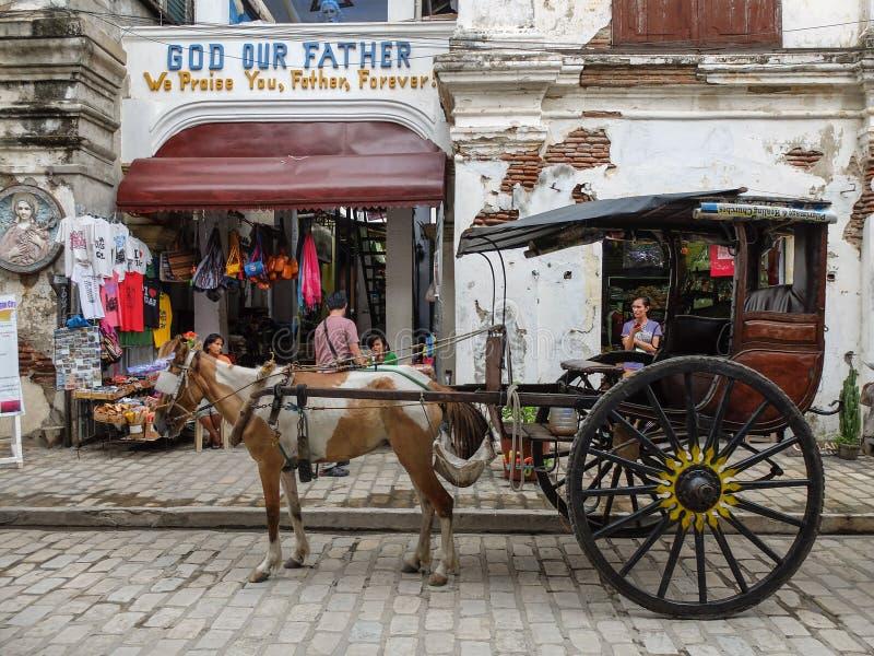 Ein Kalesa (oder Pferdewagen) in der historischen Stadt von Vigan stockfoto