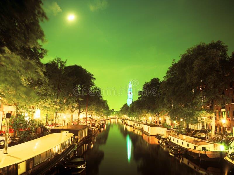 Ein Kanal in Amsterdam stockbild