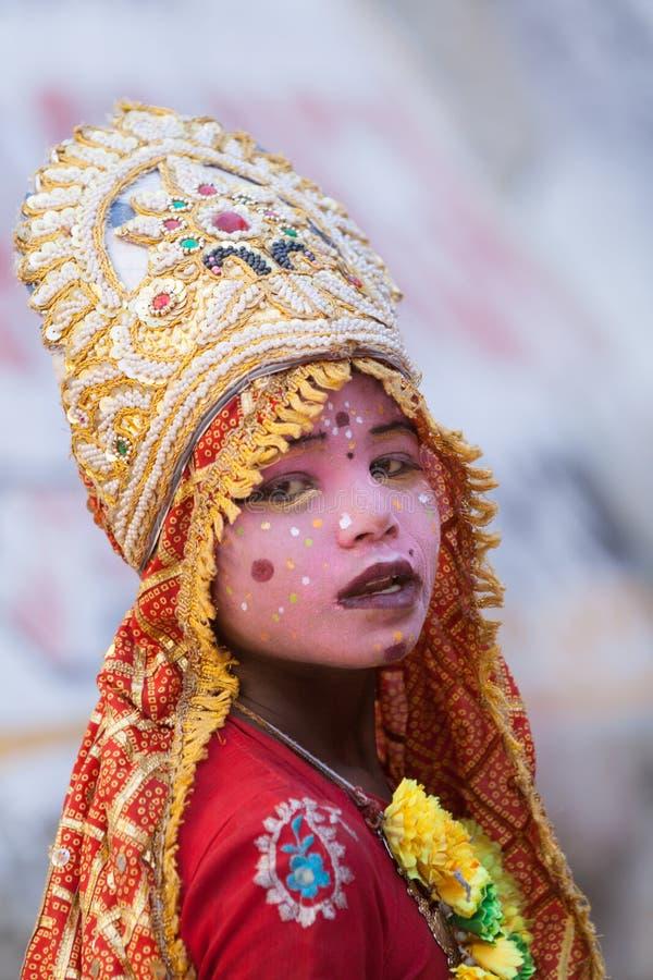 Ein Kind gekleidet als Göttin stockbilder