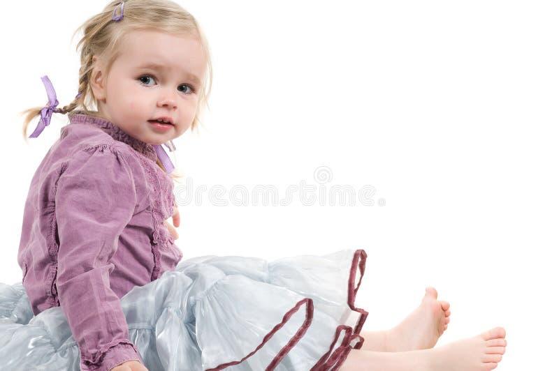 Ein kleines Mädchen im Studio stockfotografie