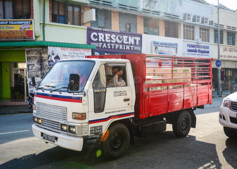 Ein LKW auf Straße in Georgetown, Malaysia lizenzfreie stockfotografie