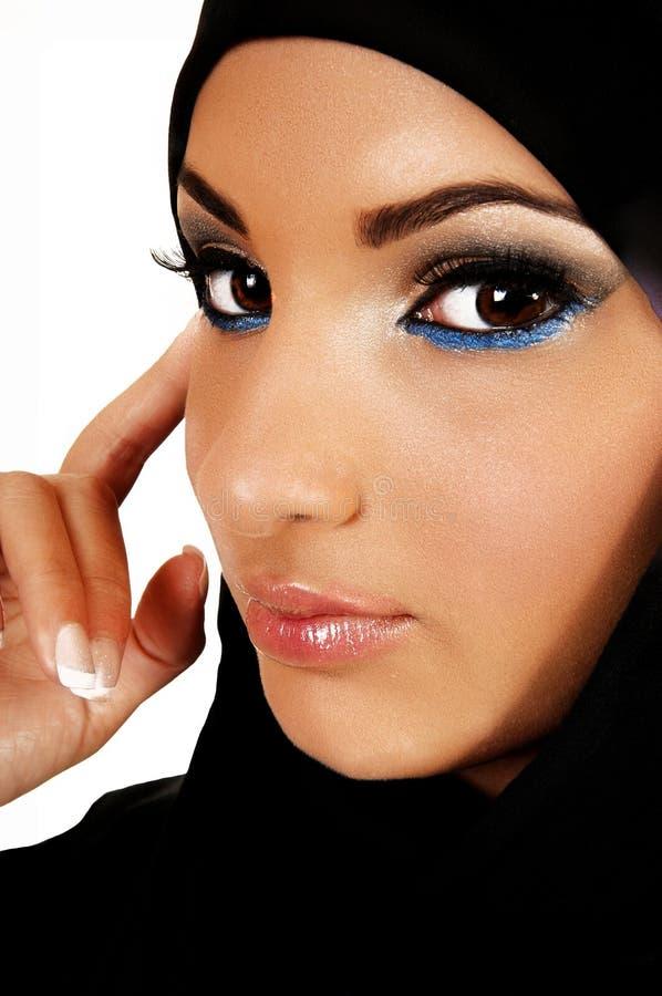 Jugendlich Mädchen mit Kopftuch. lizenzfreie stockfotografie