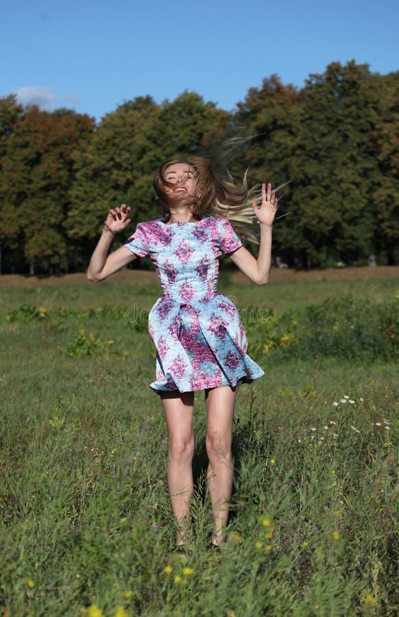 Ein Mädchen an ihren dreißig lizenzfreies stockfoto