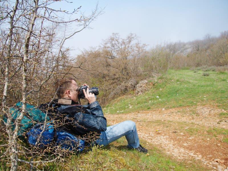 Ein Mann, der Foto macht stockfotos