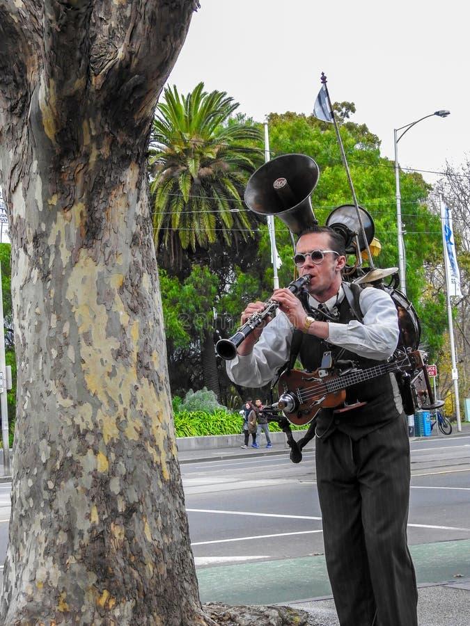Ein Mannband in Melbourne Australien stockfotos