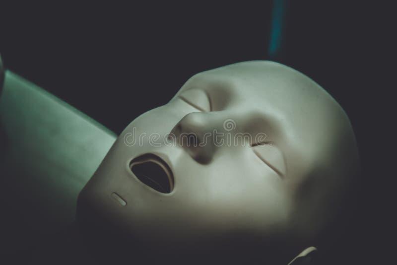 Ein Mannequin-Gesichtsmann des Plans medizinischer mit offener Mundnahaufnahme, lizenzfreies stockbild