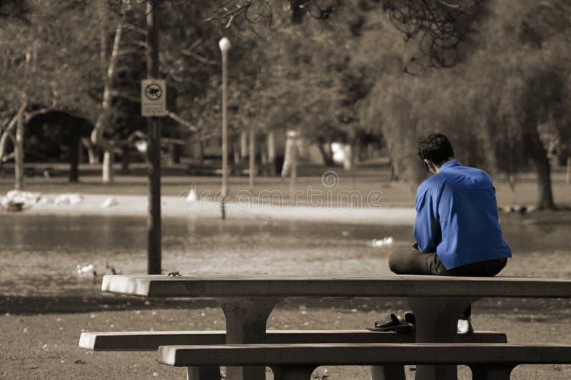 Download Ein Manngefühlsblau stockfoto. Bild von bäume, emotional - 47658