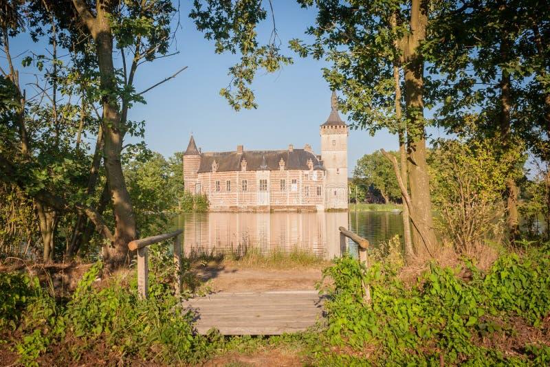 Ein mittelalterliches belgisches Schloss stockfotografie