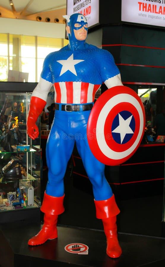 Ein Modell des Charakter Kapitäns Amerika von den Filmen und von COM lizenzfreie stockfotografie