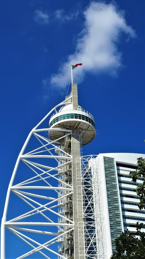 Ein moderner Turm lizenzfreie stockfotografie