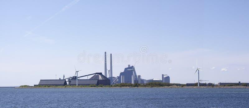 Ein modernes Heizkraftwerk durch Wasser Eine Hightechanlage und der Welt am leistungsfähigsten von seiner Art lizenzfreies stockbild