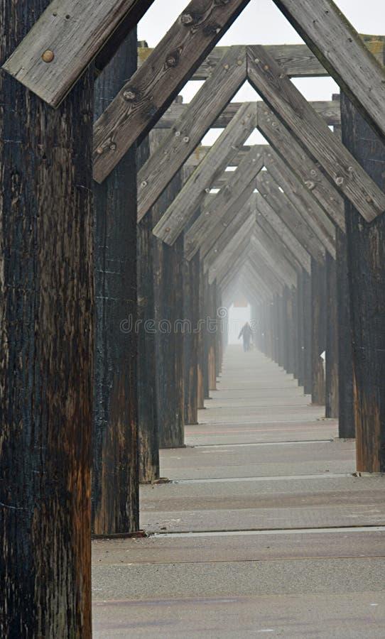 Ein nebeliges dat am Hafen von Everett stockfoto