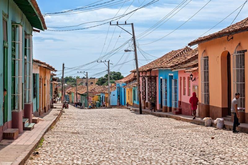 Ein normaler Tag auf einer Straße in Trinidada lizenzfreie stockbilder
