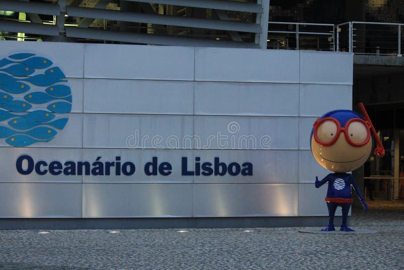 Ein Oceanarium in Lissabon, Portugal lizenzfreie stockbilder