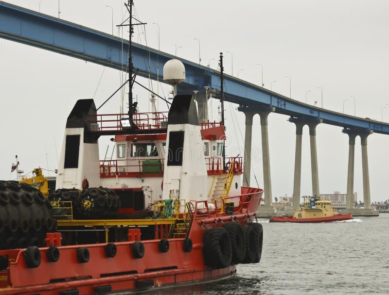 Ein Offshoreschlepper/ein Versorgungsschiff, WACHSAMKEIT, San Diego lizenzfreie stockfotos