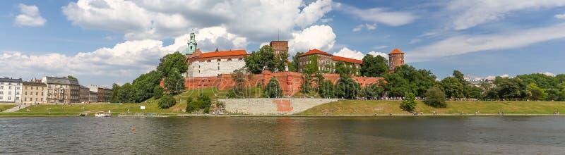 Ein Panoramablick des Schlosses in Krakau-Stadt, Polen, lizenzfreie stockfotos