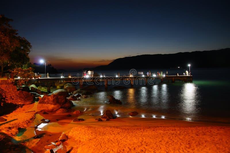 Ein Pier auf Ilhabela-Insel lizenzfreie stockfotografie