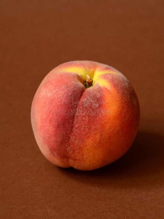Ein reifer Pfirsich lizenzfreies stockfoto