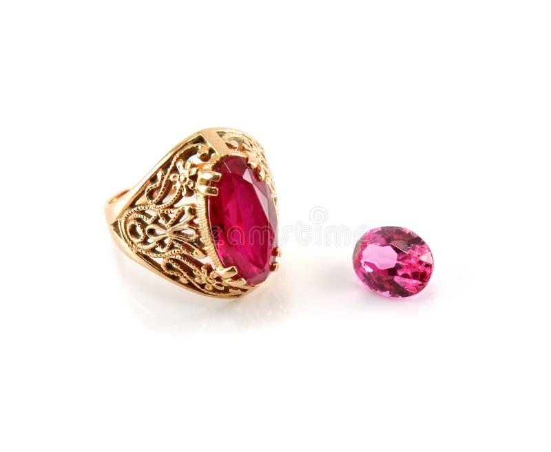Ein Ring und ein Stein getrennt stockfoto