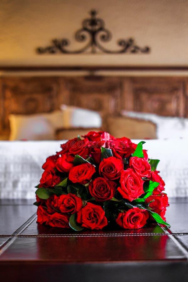 Ein romantischer Raum mit Rosen stockfotos