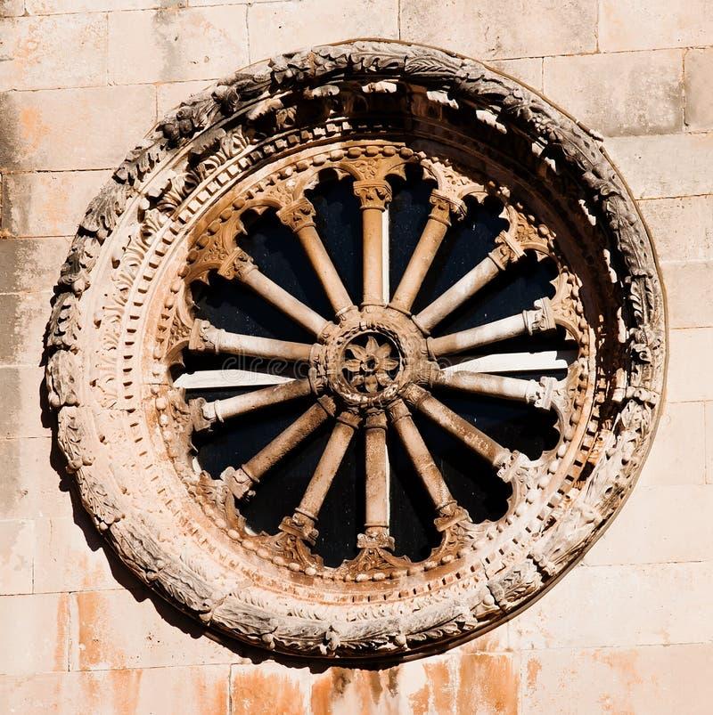 Ein Rosefenster von der Str.-Retter-Kirche, Dubrovnik stockbild