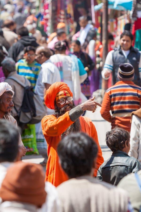 Ein sadhu im Markt in Badrinath, Nord-Indien stockfotografie