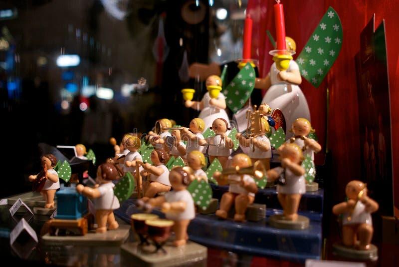 Ein Satz musikalische Spielwaren am Wien-Weihnachtsgeschäft lizenzfreies stockfoto
