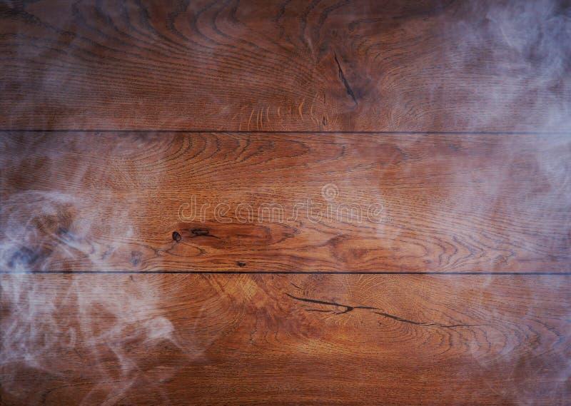 Ein schöner alter Eichenholzhintergrund mit Rauche lizenzfreie stockfotos