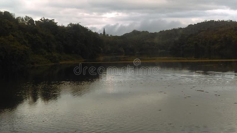 Ein schöner See lizenzfreie stockbilder