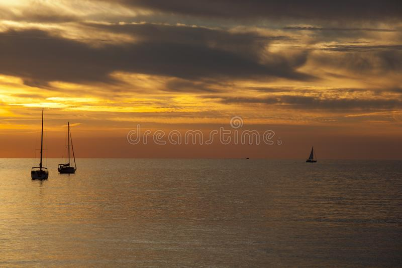 Ein schönes sunsetat Sestri Levante, Sestri Levante, Genua, Ligurien, Italien lizenzfreies stockbild