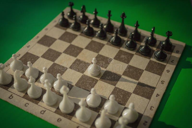 Ein Schachbrett mit Zahlen stockfotografie
