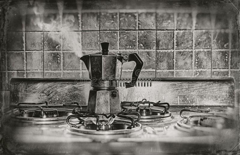 Ein schwelender Kaffee lizenzfreies stockfoto
