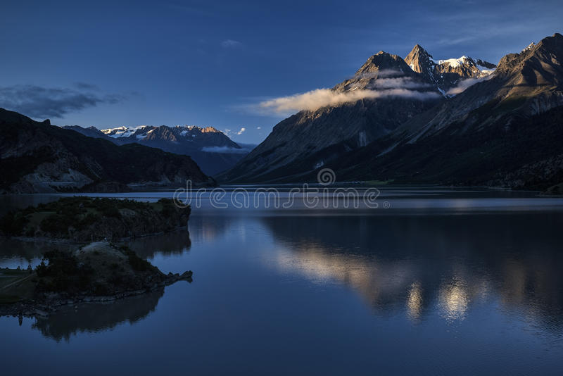 Download Ein See stockfoto. Bild von meere, nebel, haupt, regenbogen - 96934058