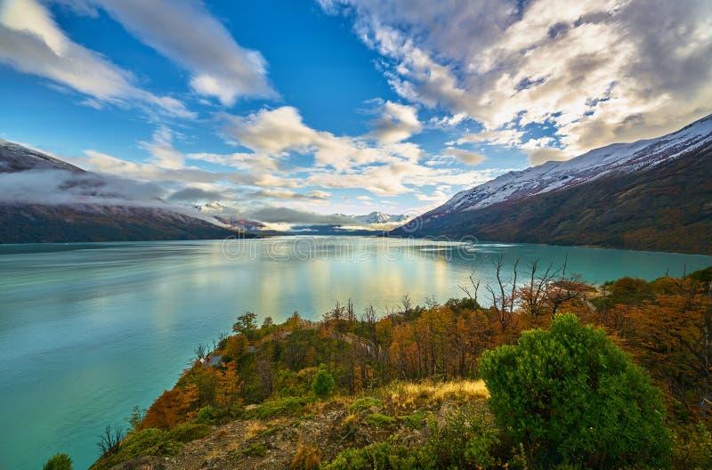 Ein Seeblick und Gletscher Nationalpark Los Glaciares Perito Moreno Der Argentinien-Patagonia im Herbst stockbilder