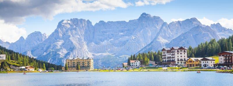 Ein Seepanorama - Italien stockbilder