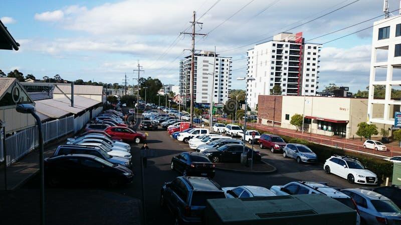 Ein sehr beschäftigter Parkplatz lizenzfreies stockbild