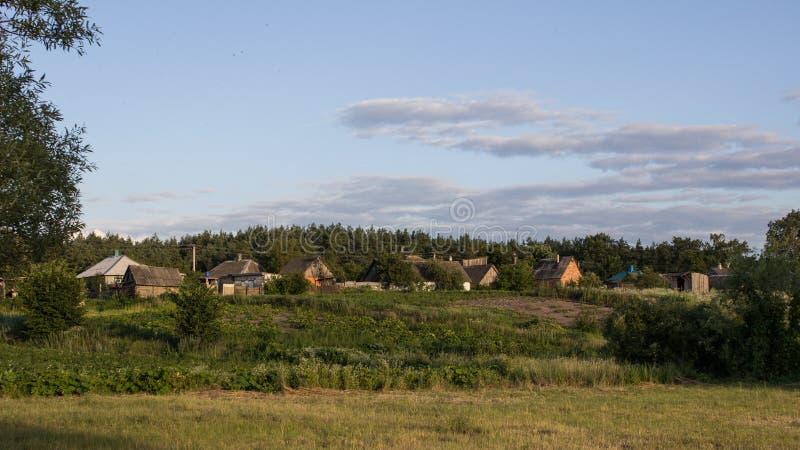 Ein sonniger Tag einer durchschnittlichen Zone von Russland stockfoto